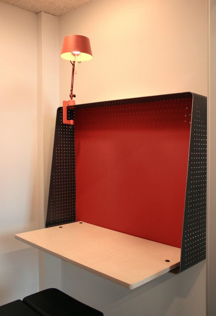 lille skrivebord rødt ny